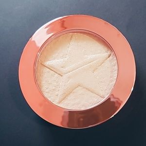 Jeffree Star Supreme Frost Highlighter